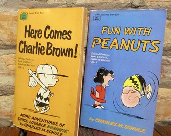 Vintage Books • 60s Peanuts Books • Here Comes Charlie Brown! Fun With Peanuts • Vintage Paperback Children's Book Set • Snoopy Comic Books