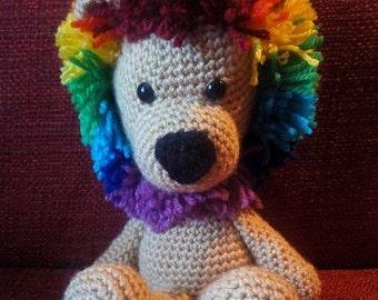 Leone con criniera arcobaleno