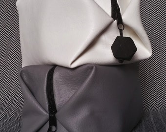 Faux Leather Makeup bag// Toiletry Box-like Bag// Cosmetics Bag// Traveling Vegan Bag