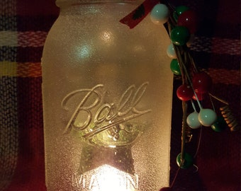 Christmas Mason jar tealight holder