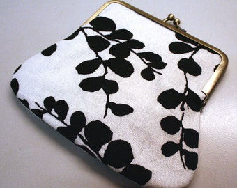 Clutch Purse Linen Leaves Kiss Lock Pouch