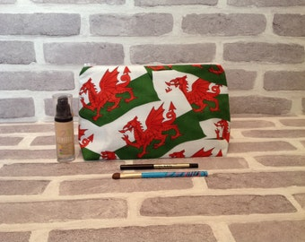 Welsh flag, Welsh Dragon make up bag, Welsh flag travel bag, toiletry bag, large makeup bag