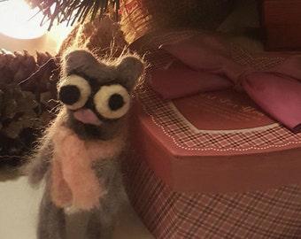 Cat, brooch or key chain in carded wool, needle felt, felt accessory, animal felt, mini plush cat, gift ideas