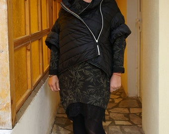 Flattering Oversized Hoodie Black Asymmetric Poncho / Waterproof Windproof Quilted Overall