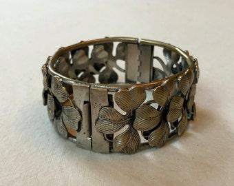Antique 4 Leaf Clover Hinged Bangle Bracelet