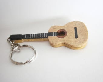 Guitar shaped Keyring