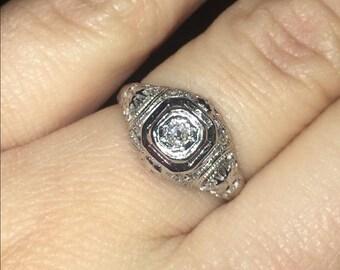 18K White Gold Diamond Antique Ring