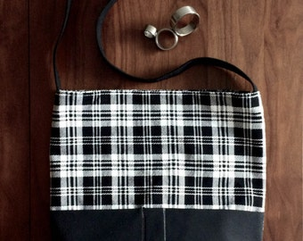 Sale 15%!Modern black and white, checked pattern purse. Large bag with two outer and three inner pockets and magnetic clasp.