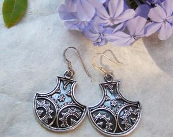Silver earrings. Silver jewelry. Jewellery of India. Ethnic jewelry.