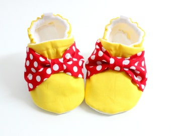 Bow Baby Shoes, soft sole shoes for babies, pre-walkers, toddler shoes, Birthday shoes, minnie mouse shoes, yellow and red polka dots