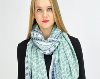 Floral Print Green Scarf / Summer Scarf / Spring Scarf / Gift for her / Womens Scarves / Fashion Accessories