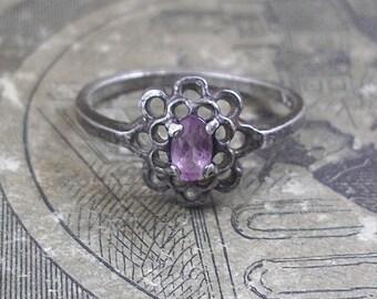Vintage Sterling Silver & Amethyst Gemstone Ring - Size 6