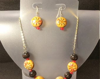 Glass and wooden necklace/earring set