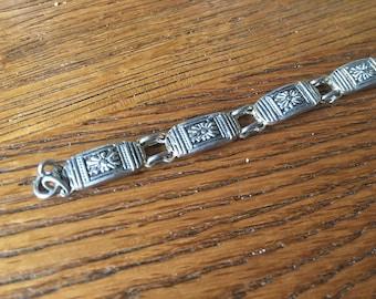 Floral Vintage Bracelet - silver tone - flowers, chain