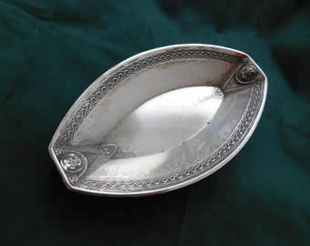 Attractive silver bowl with Fraunmotive