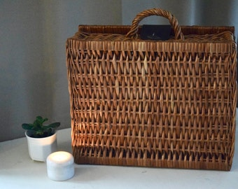 Large Vintage Wooden Wicker Rattan Bag Purse Heart Closure, Wooden Wicker Basket, Wicker Picnic Basket Lunchbox, Korb Tasche, Weidenkorb