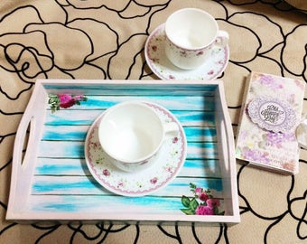 Tray with handles in the style of Provence