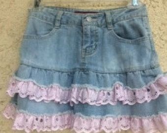Girls Denim Skirt with Pink Eyelet Lace Size 8, Denim Skirt, Vintage Skirt, Size 8 Girls Denim Skirt, Skirt with Pink Ruffle, Jean Skirt