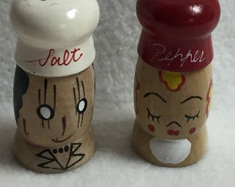 Salt and Pepper - Wood Man and Woman Heads (#032)