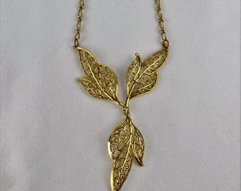 Vintage Gold Tone Leafy Dangle Necklace Choker Collar Style