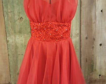 Stunning Faviana short halter top Red dress size 7/8