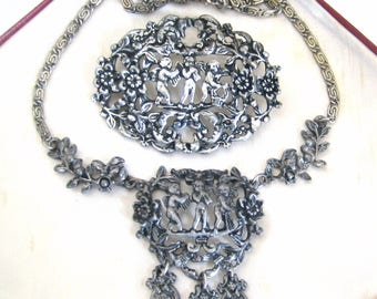 Vintage Jewellery Set Signed MIRACLE Three Little Cherub Angel Brooch & Necklace