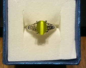 Lime Green Cat Eye Ring