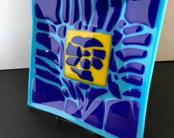 Hand made fused art glass plate, dish, indigo and cobalt blue with a canary yellow centerpiece