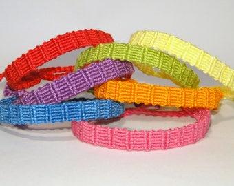 Friendship Bracelet - handwoven - monochrome - macramé - brésilien - ethnic - rainbow - armcandy - ooak - colourful