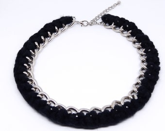 chain / wool, crochet, black / silver