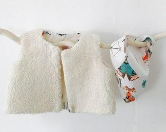 Berger baby - little Indian motif vest
