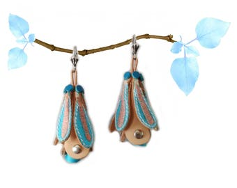 Beige leather pink and turquoise flowers earrings