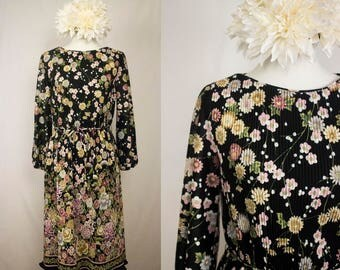 Vintage 70s Floral Pleated Blouson Dress w/ Cuffed Sleeves