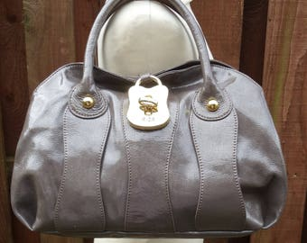Vintage RI2K Grab Clutch Carry Tote Arm Candy Bag Chunky Metallic Mink Crinkle Patent Leather Quality Purse Hide Harness Handles