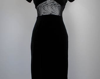 1980s Velvet Maxi Dress with Lace Cutout // Witchy Maxi Dress // Vintage Maxi Dress // Black Dress // Formal Dress // Witchy Clothing