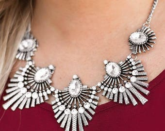 NEW Silver Elegant Necklace And Earring Jewelry Set