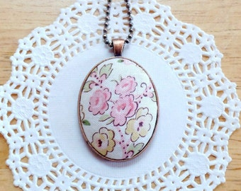 Fabric Necklace, Floral Fabric, Fabric Pendant, Cream Fabric, Pendant Necklace, Floral Pendant, Oval Pendant, Cottage Chic, Cream and Pink