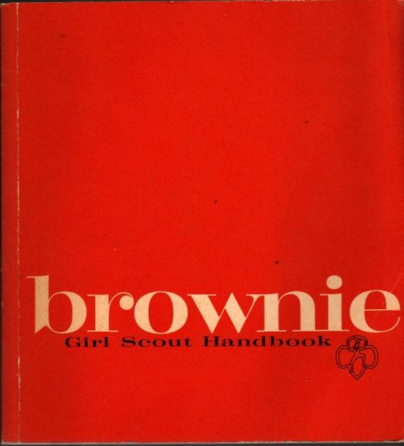 Brownie Girl Scout Handbook - 1975 - Vintage Kids Book