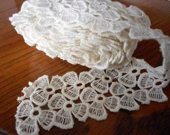 Vintage Wide Flower Open Work Cream White Lace Yardage Sewing Applique Trim