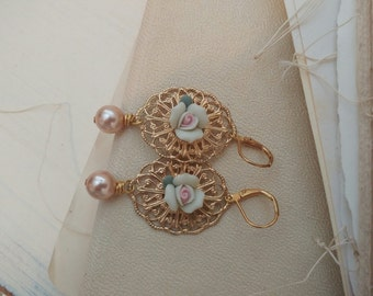 Vintage flower dainty gold earrings