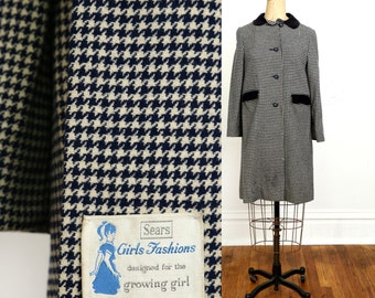 SALE 1960s Houndstooth COAT Size Small