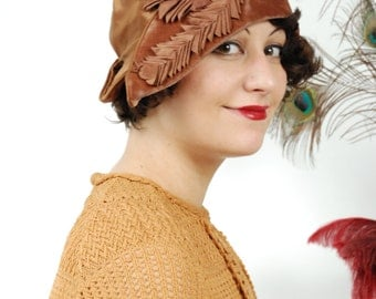 Vintage 1920s Hat - Exceptional Satin and Velvet Pirate-esque Cloche with Upturned Brim and Pleated Satin