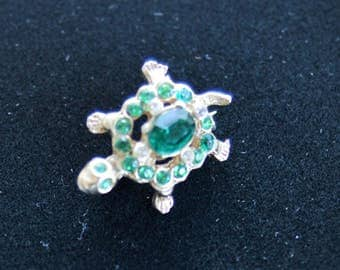 Cute Vintage Emerald Green Rhinestone Turtle Scatter Pin, Gold tone (M2)