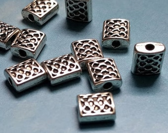 20 rectangle beads with lattice pattern, silver tone, 7mm