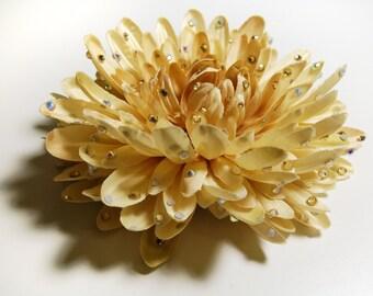 HAVOC Fleur - Ivory Chrysanthemum