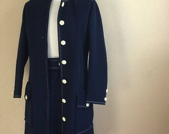 Vintage NAVY And White Dress With MATCHING COAT / 1960's Butte Knit / Two Piece Set / Womens Size Medium Large / Dress With Belt & Jacket