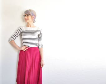 high waist raspberry pleated skirt . 1980 dark pink pleats .large.extra large.xl