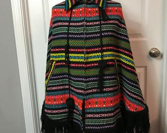 Vintage boho hippie 70s 1970s - one size fits all - woven Multicolor zippered cape / shawl / blanket with fringe