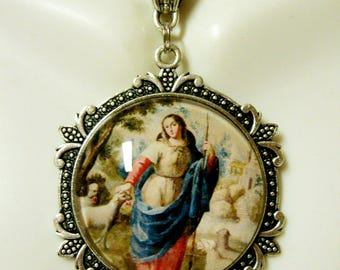 Mary the shepherdess pendant and chain - AP25-092