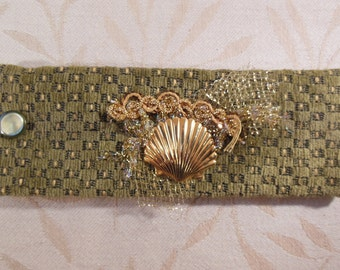 Scallop Shell Fabric Cuff Bracelet, Green and Gold